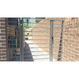 Aluminium-19mm-square-horizontal-rod-flat-top-gate-and-panels-1080x600
