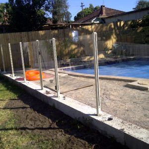 8mm toughened glass with Aluminium posts