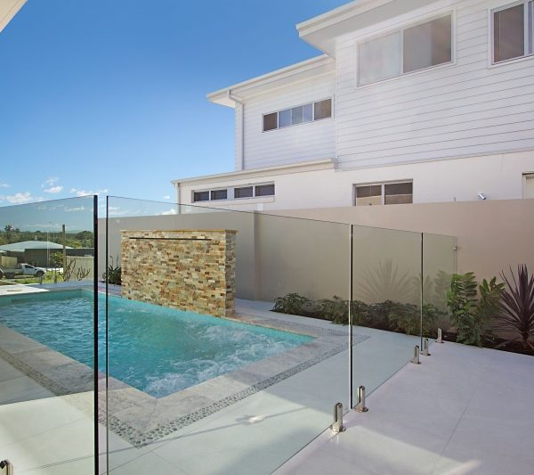 Glass Pool fence and gate with spring hinges