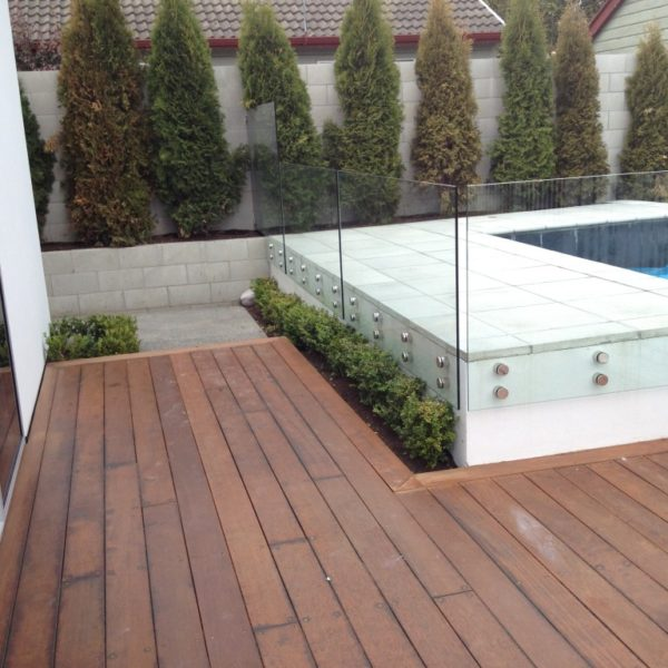 Pin Glass fencing